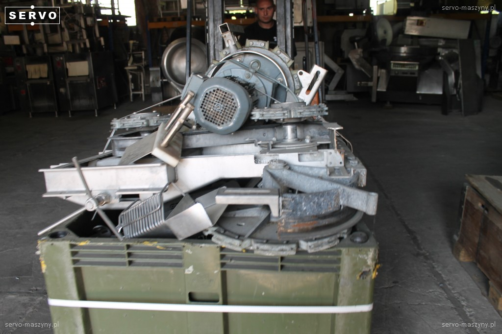 Koła, motoreduktor 1425/14 kąt 90 do linii drobiowej Stork